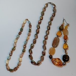 Set of 3 rock-like necklaces
